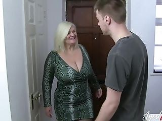Horny Matures Blonde Lady Got Fucked Hard By Handy Youngster
