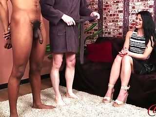 Fantastic Model Sapphire Rose Taunts Two Naked Dudes - Interracial