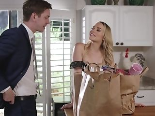 Beautiful Housewife Mia Malkova Is Fucked Right On The Kitchen Table