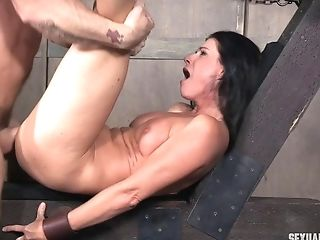 Victim India Summer Has Her Face Fucked By Matt Williams Savagely