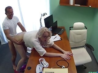 Blonde Patient Lexi Lou Recorded As She Fucks With Her Medic