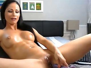 Cougar Orgasm On Web Cam