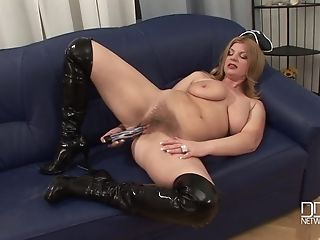 Matures Cougar Model Takes Of Her Costume And Masturbates