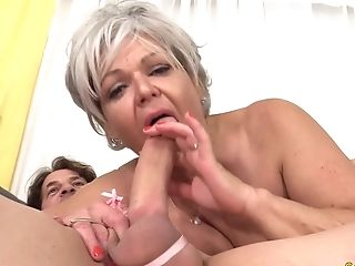 Libidinous Granny Kelly Leigh Takes His Lengthy Prick Hard And Deep