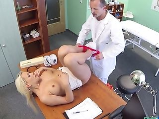 Lucy Shine Gets Fucked By Hard Medic's Dick On The Hospital's Couch